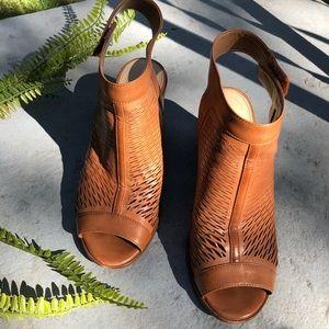 Vince Camuto Lavette leather open toe block heels